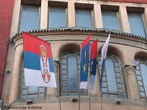 Na praznik Hrvata u Srbiji, ni jedna zastava hrvatske zajednice na zgradama tijela vlasti u Subotici