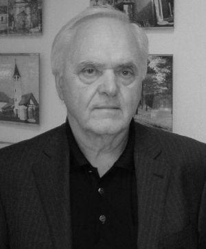 Antun Plivelić (Hrtkovci, 1. 6. 1939. – Zagreb, 17. 5. 2021.)
