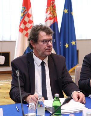 Žigmanov traži od srbijanskog ministra da se više brine o Hrvatima nego o Tesli