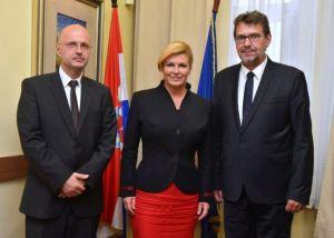 Predsjednica Republike Hrvatske Kolinda Grabar-Kitarović sastala se u petak, 23. lipnja, u Beogradu s predstavnicima hrvatske zajednice u Srbiji